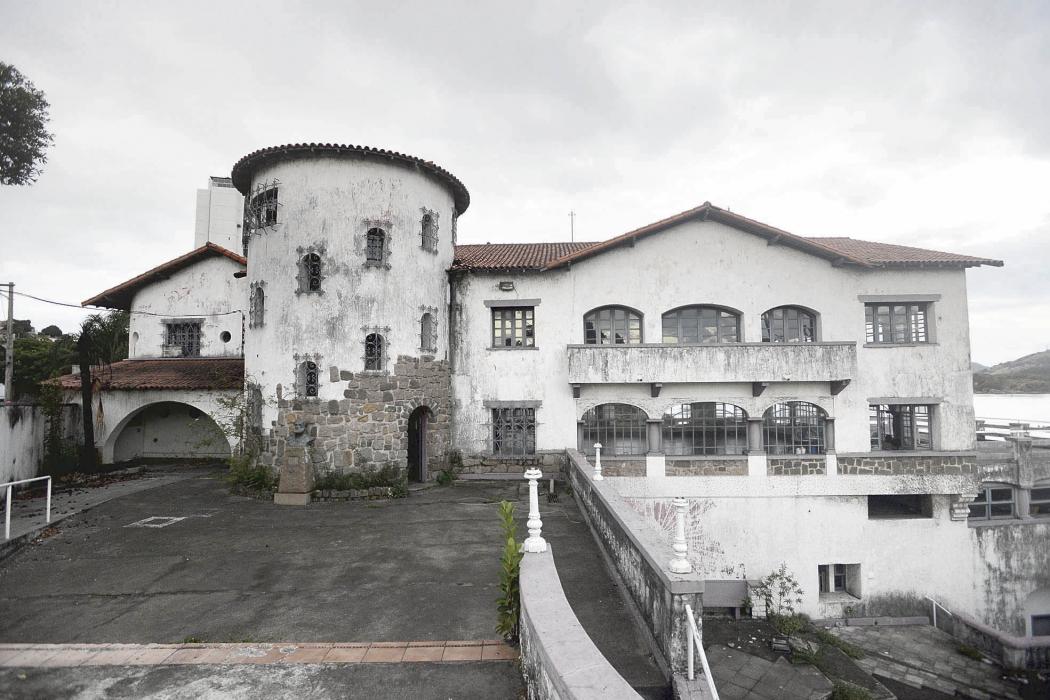 Prédio do Saldanha da Gama está sem uso desde 2013. Crédito: Vitor Jubini