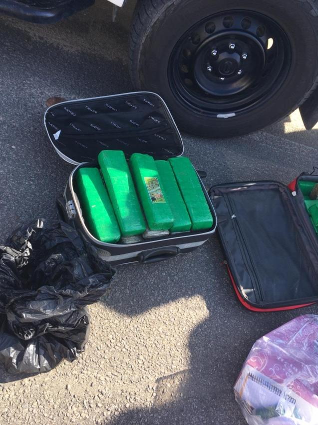 Operação Monticello prendeu casal com 25 kg de maconha em Linhares. Crédito: Kaio Henrique/TV Gazeta Norte
