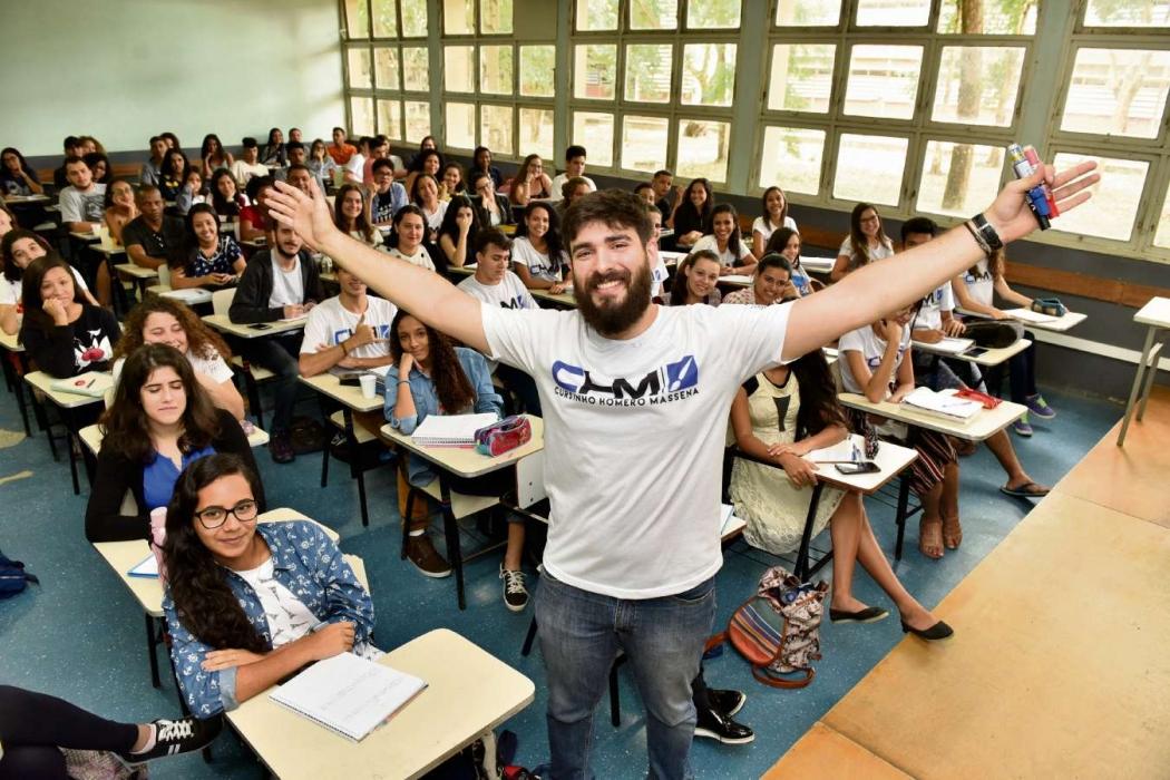 Alunos e professores participaram de revisão para o Enem. O conteúdo passado em sala era dado de forma descontraída para não cansar. Crédito:    Fernando Madeira