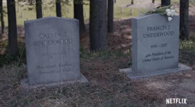 08/11/2018 - Lápide de Frank Underwood, personagem de Kevin Spacey. Ator foi banido de 'House of Cards' após denúncias de abuso sexual. Crédito: Reprodução/Netflix