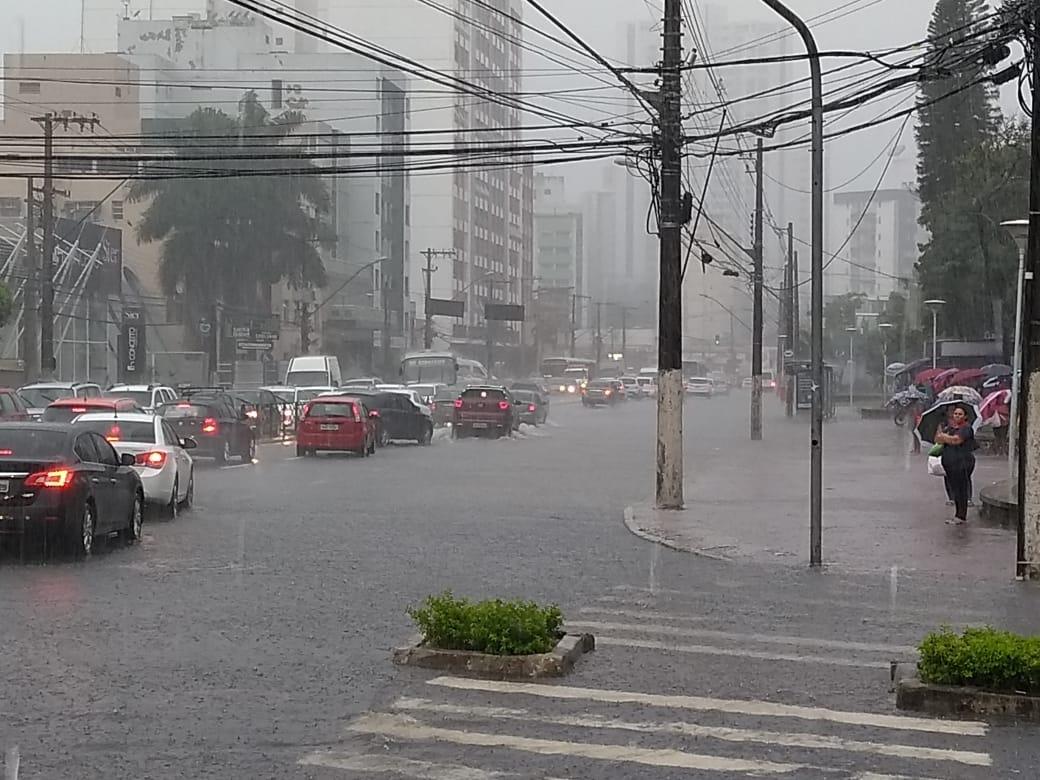 A avenida Cezar Hilal, em Vitória. Crédito: Fernando Madeira