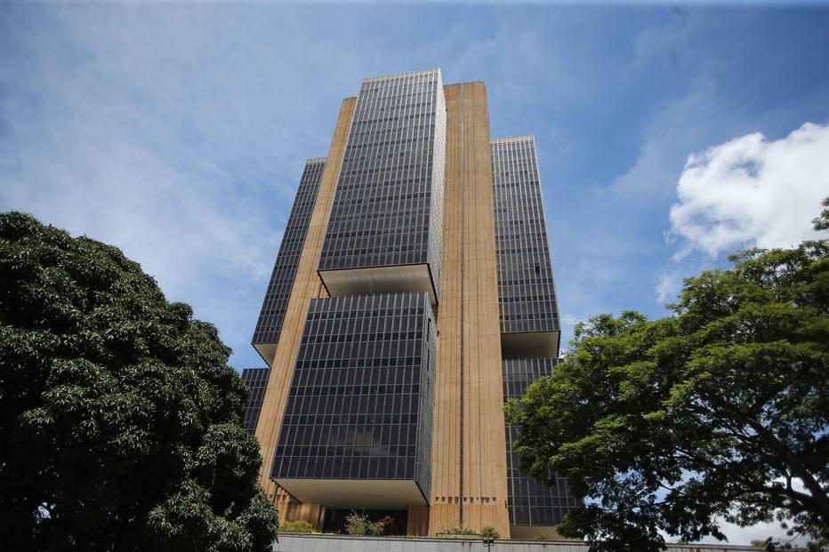 Em um mês, estimativa para a inflação oficial no Brasil passou de 4,44% para 4,13%. Crédito: ANDRE DUSEK