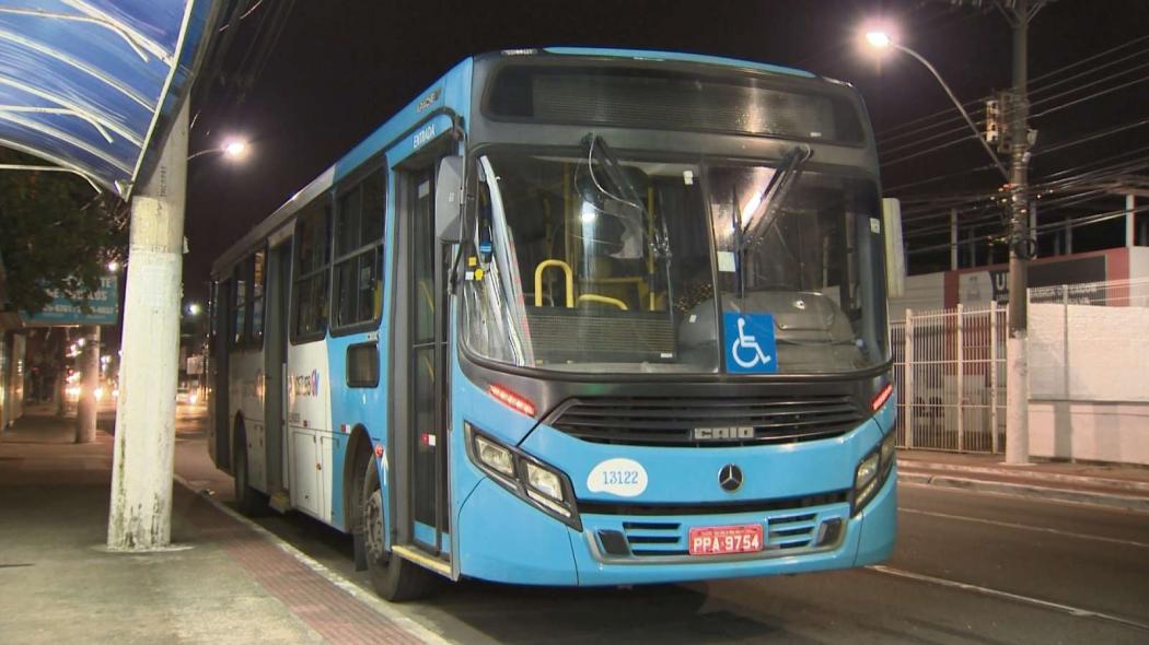Ônibus em que aconteceu o arrastão na segunda. Veículos do Transcol devem ganhar novas câmeras em 2019. Crédito: Manoel Neto/TV Gazeta