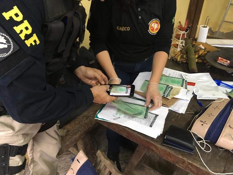 Operação Raptores: 14 detidos no país por suspeita de participação em organização criminosa que adulterava caminhões. Crédito: Divulgação / MPES