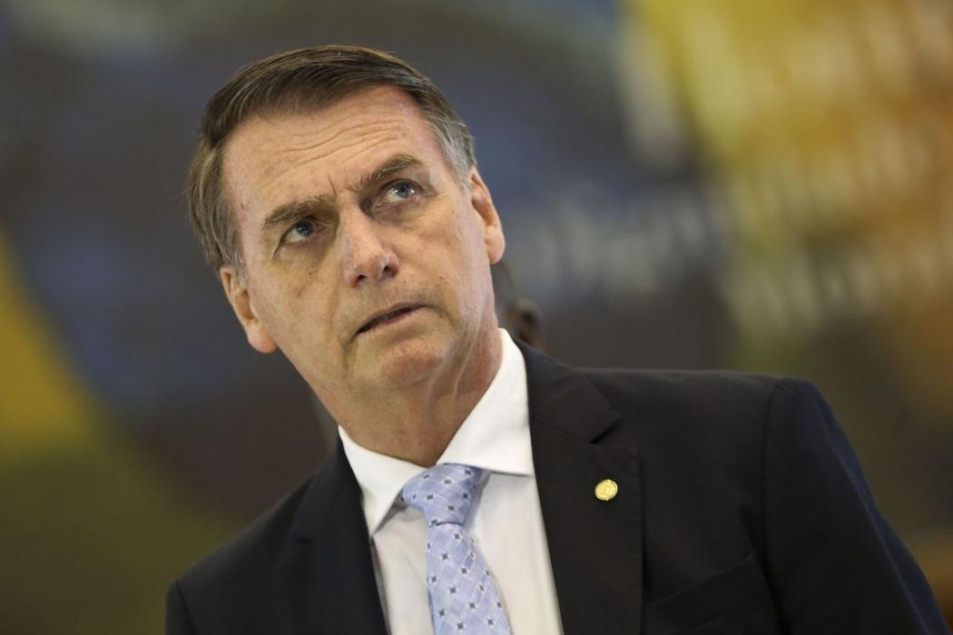 O Presidente eleito Jair Bolsonaro, fala com a imprensa após reunião com os futuros comandantes das Forças Armadas, no Comando da Marinha, em Brasília. Crédito: Marcelo Camargo/Agência Brasil