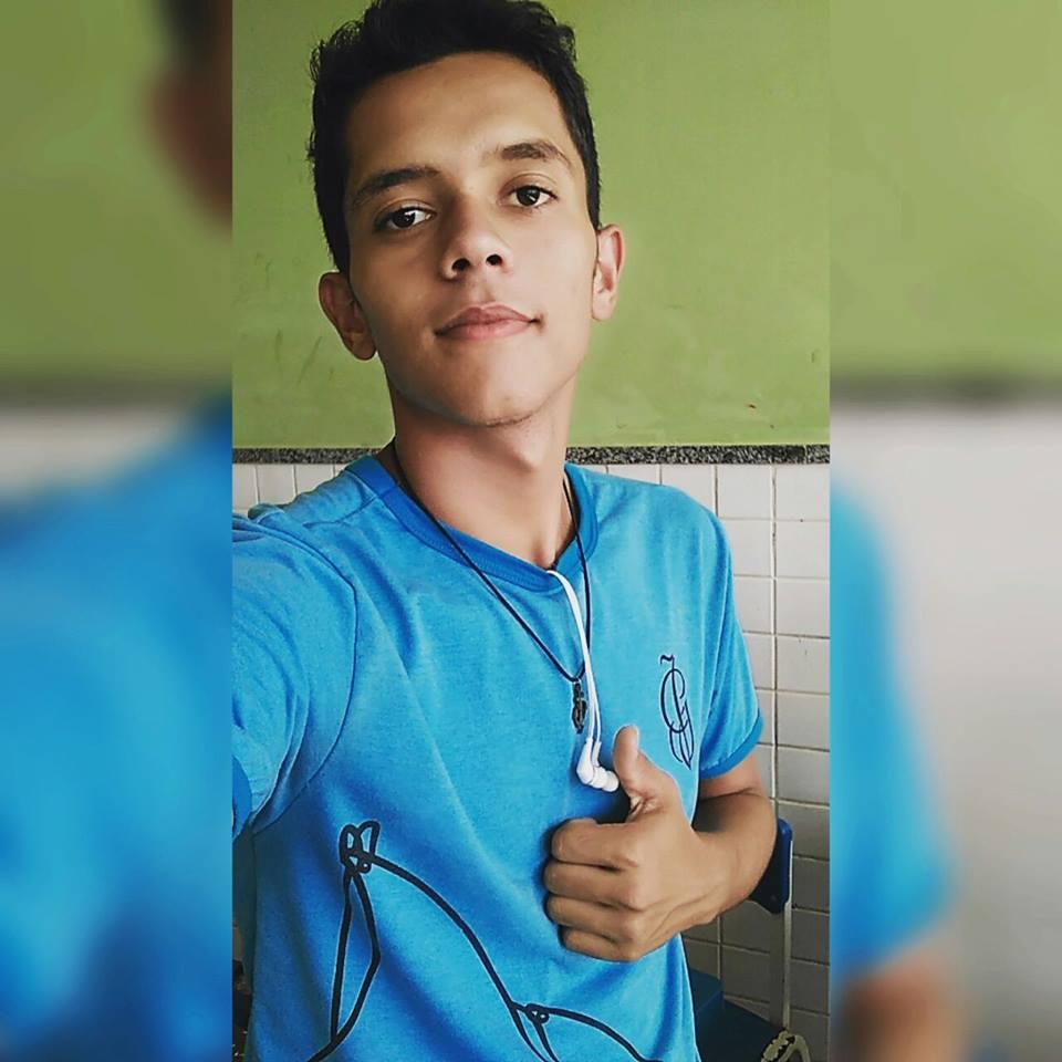 Deivid Jercey morreu com um tiro no peito dentro de Transcol em Vila Velha. Crédito: Reprodução/Facebook