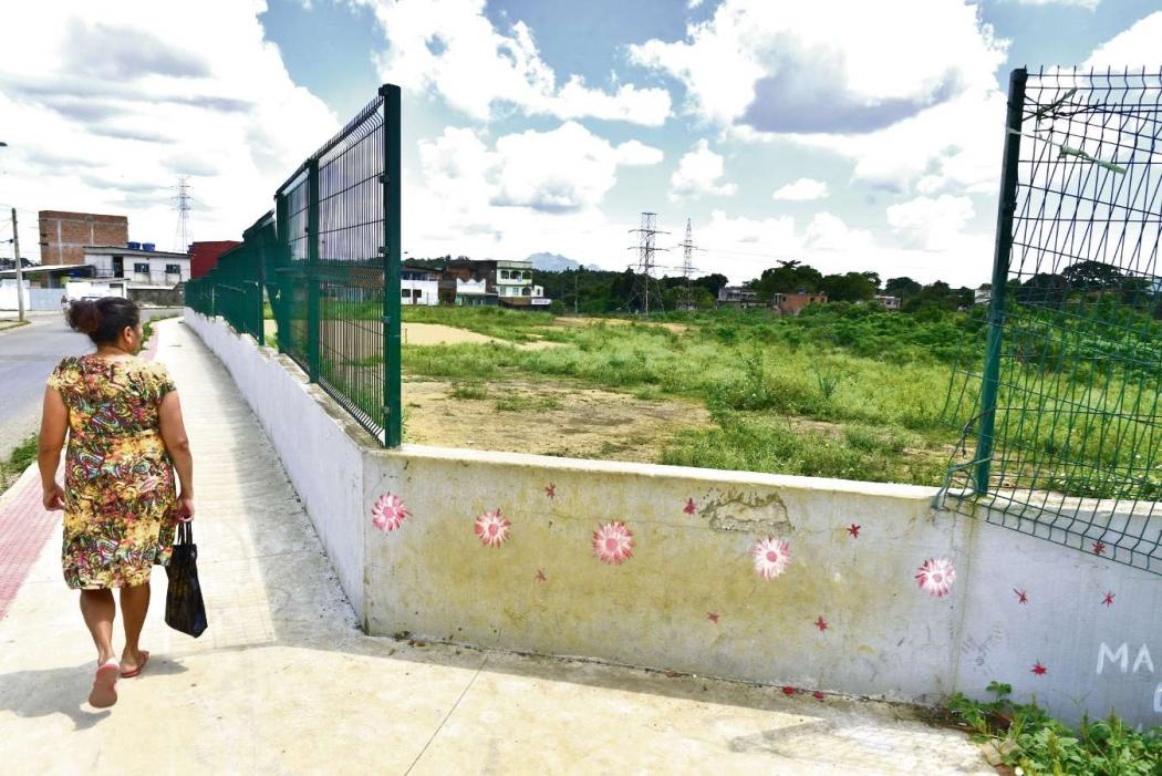 Obras do Centro de Iniciação ao Esporte, entre Itacibá e Nova Brasília, em Cariacica . Crédito: Marcelo Prest
