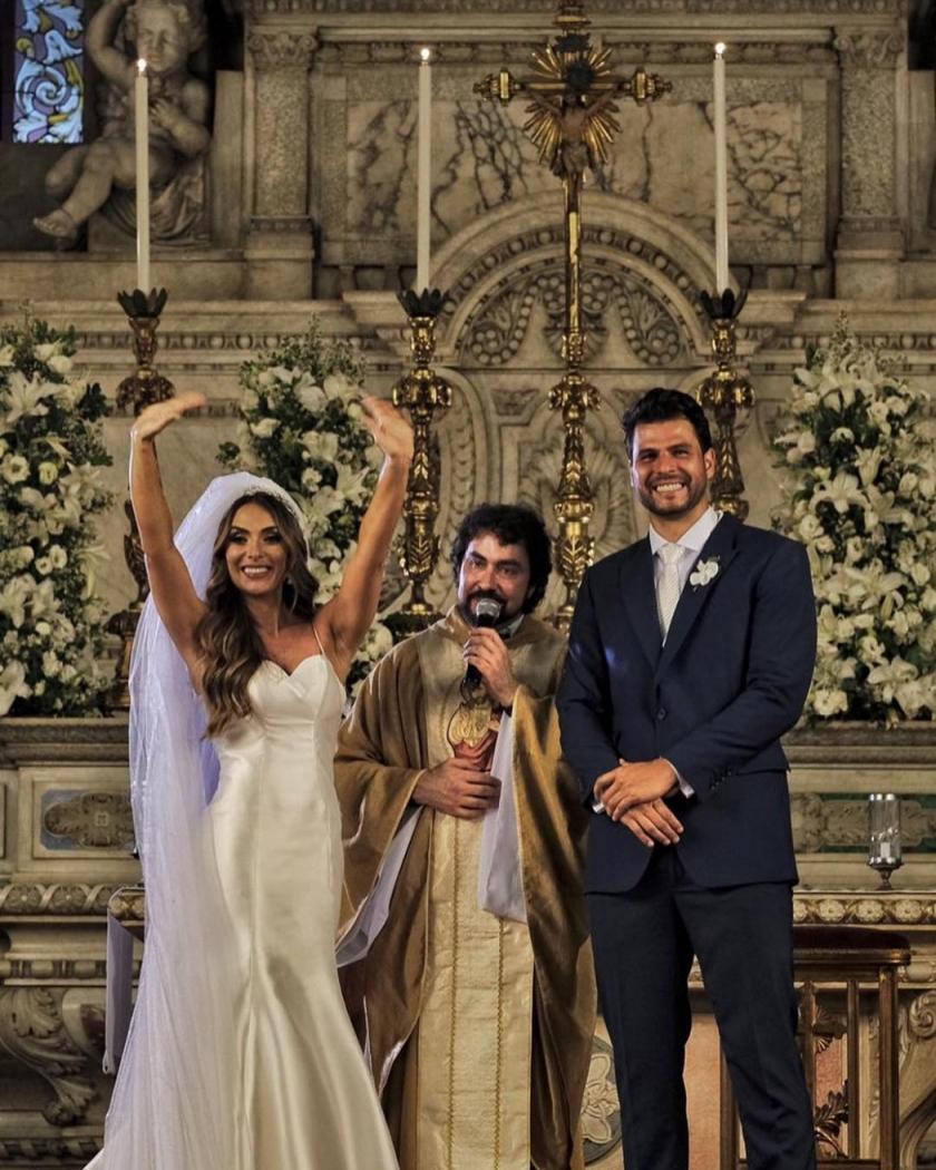 Nicole Bahls, padre Fábio de Melo e Marcelo Bimbi: casamento aconteceu na Igreja da Candelária, no Rio de Janeiro