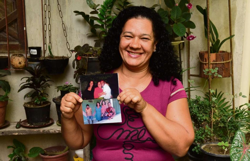 """Zeli Graça tem orgulho da luta da mãe Osvaldina de Jesus para manter a família. """"Ela agiu com a cara e com a coragem."""""""