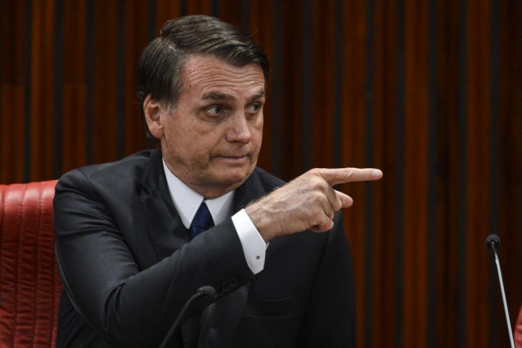 Bolsonaro diz que vai revogar medidas que não têm beneficiado o país. Crédito: Valter Campanato/Agência Brasil