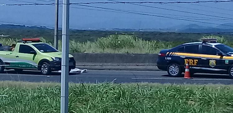 Morte na BR 101 na Serra. Crédito: Ouvinte Bruno/Rádio CBN Vitória