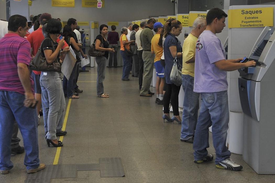 Agências bancárias abrem em horário especial nesta segunda-feira. Crédito: Valter Campanato/Agência Brasil