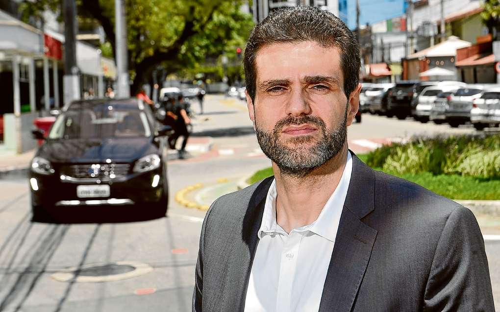 Fábio Damasceno garante que mudança não implicará em demissões de rodoviários. Crédito: Vitor Jubini | GZ