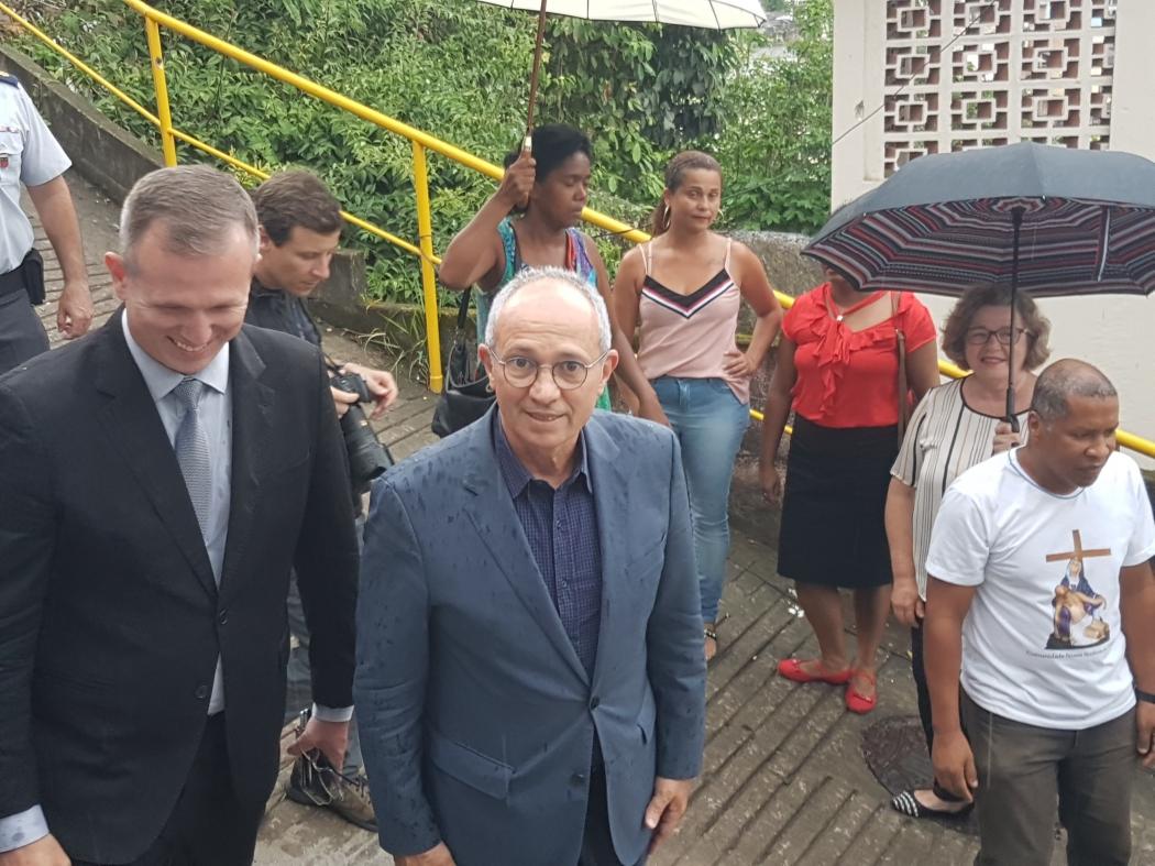 Governador Paulo Hartung participa da inauguração da base da PM no Morro da Piedade. Crédito: José Carlos Schaeffer