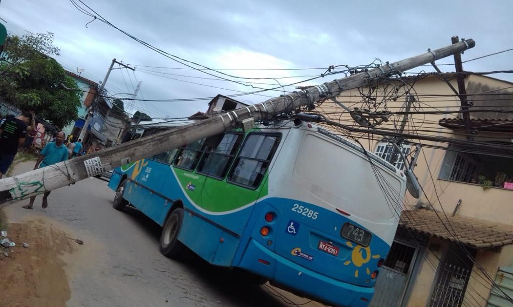 Acidente no bairro Flexal II, em Cariacica. Crédito: Internauta   Gazeta Online