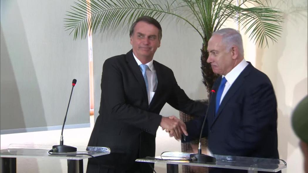 O presidente eleito, Jair Bolsonaro, e o primeiro-ministro de Israel, Benjamin Netanyahu,. Crédito: Reprodução/TV Globo