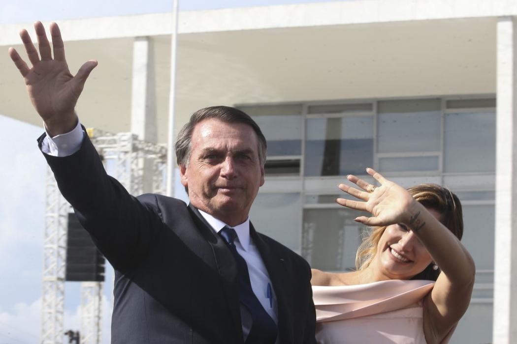 O presidente Jair Bolsonaro chega ao Palácio do Planalto para a solenidade para cerimônia de transmissão da Faixa Presidencial. Crédito: Antonio Cruz/ Agência Brasil