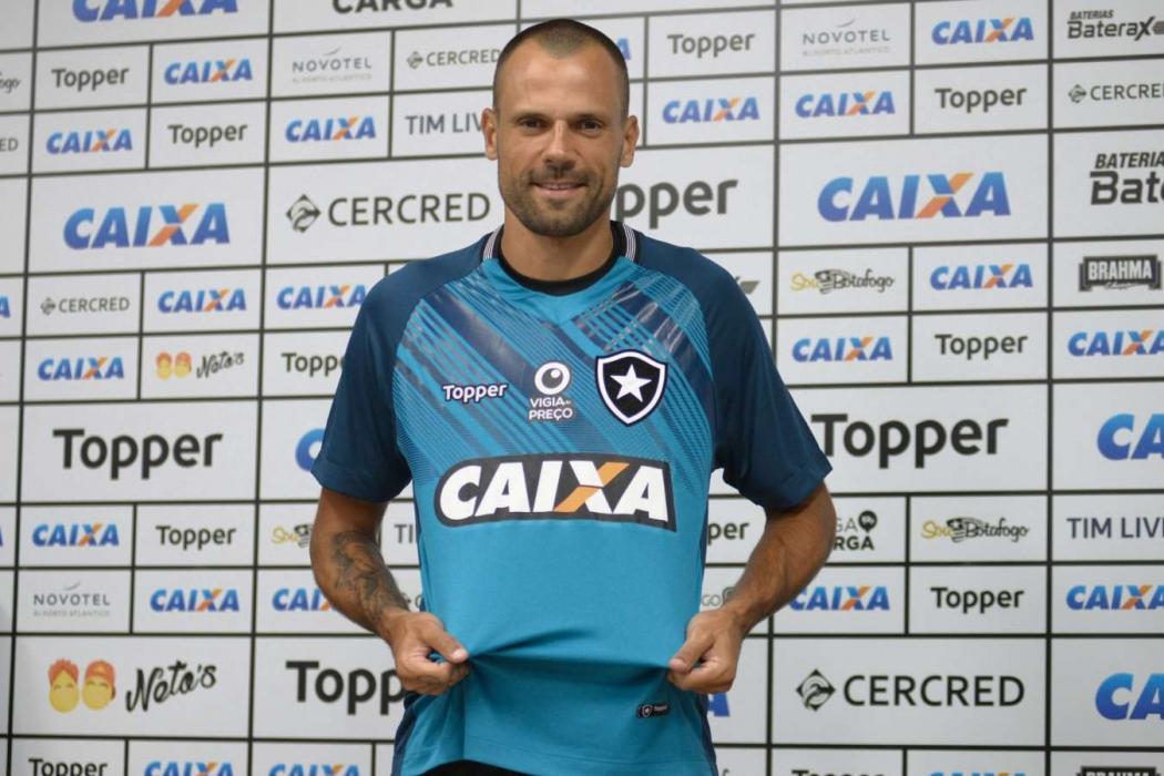 Confira o vai e vem do futebol brasileiro para 2019 - Futebol ... a214c049af68a