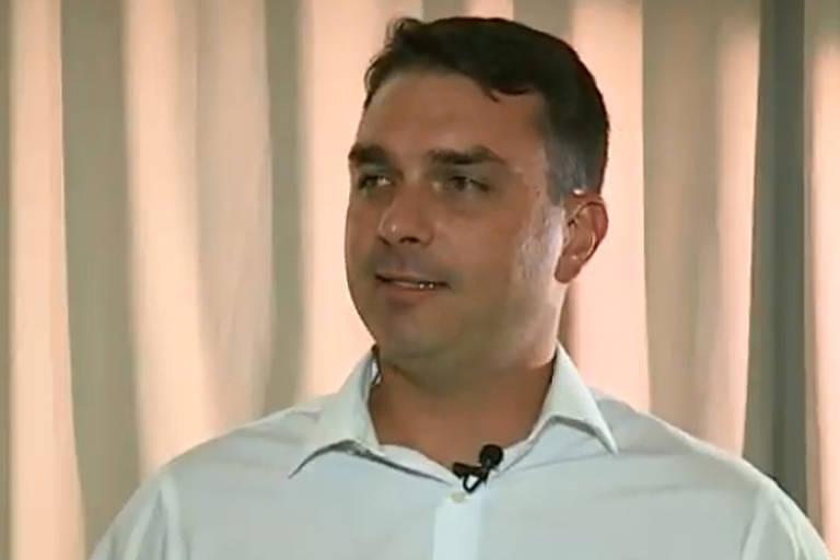 Flávio Bolsonaro lucrou R$ 813 mil com transação relâmpago de imóveis. Crédito: Reprodução