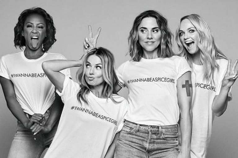 Spice Girls com a camiseta ENTITY_sharp_ENTITYIWannaBeASpiceGirl, vendidas a 20 libras cada. Crédito: Comic Relief/Reprodução/Divulgação