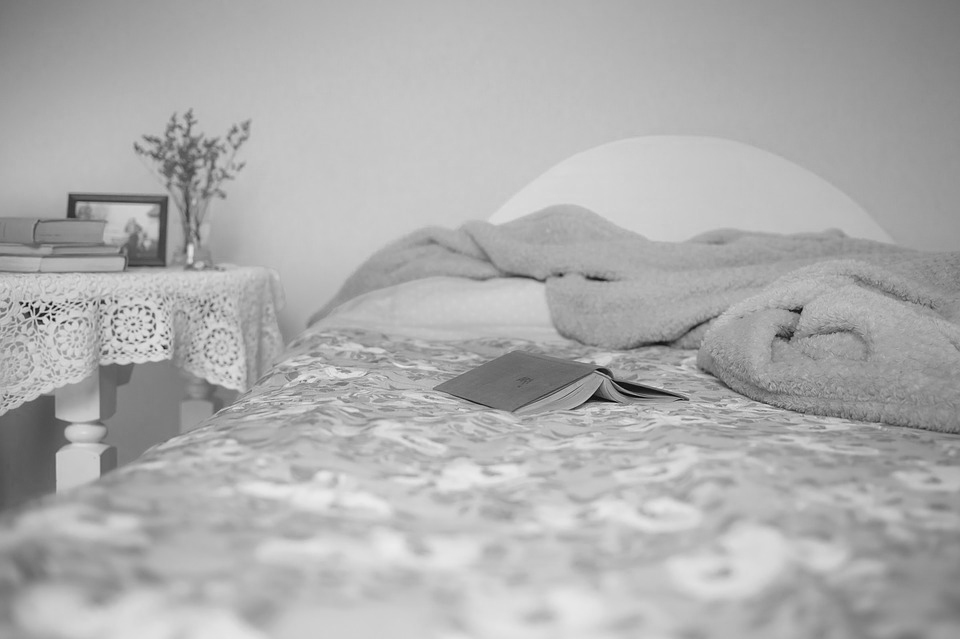 Cama e quarto. Crédito: Pixabay
