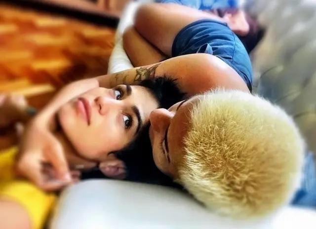 21/01/2019 - A atriz Nanda Costa ao lado da namorada Lan Lanh. Crédito: Instagram/@nandacostareal