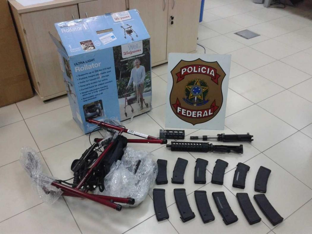 Operação Desmonte: peças de armas estavam escondidas em barracas de camping. Crédito: Polícia Federal/ Divulgação