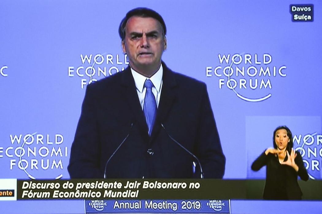 Coletiva com Bolsonaro e ministros brasileiros é cancelada em Davos. Crédito: TV NBr