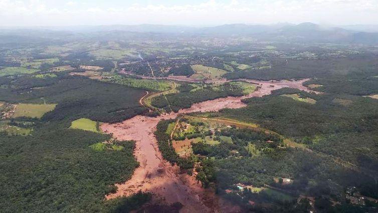 Barragem da mineradora Vale se rompe e atinge Brumadinho. Crédito: Divulgação/Corpo de Bombeiros