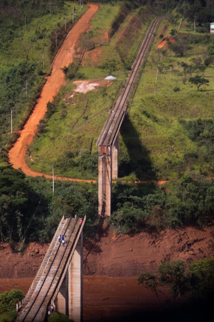 Rompimento de barragem em Brumadinho, Minas Gerais. Crédito: MOISÉS SILVA/O TEMPO/ESTADÃO CONTEÚDO