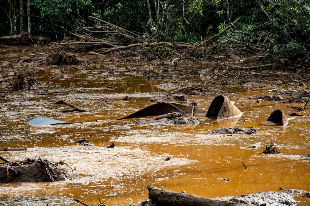 Rompimento da barragem de Brumadinho, em Minas Gerais. Crédito: Agência F8