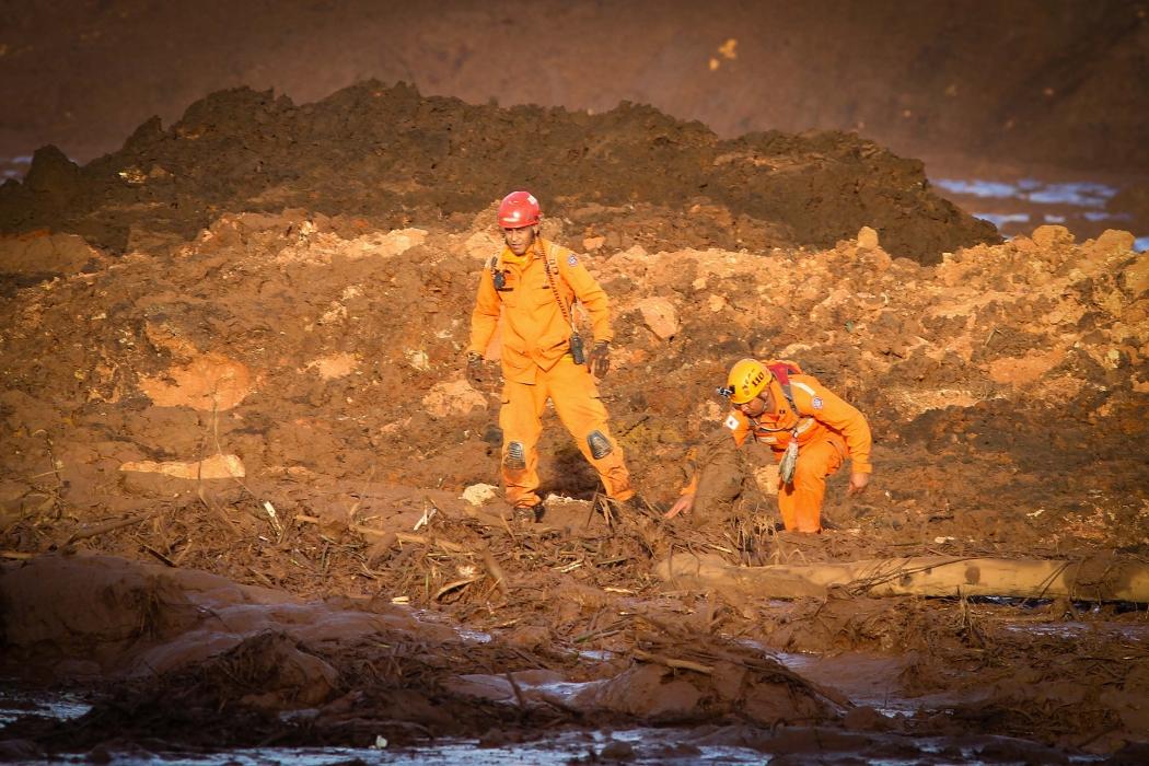 O Corpo de Bombeiros de Minas Gerais retoma as buscas por sobreviventes da tragédia causada pelo rompimento de uma barragem da mineradora Vale em Brumadinho, na região metropolitana de Belo Horizonte (MG). Crédito: FERNANDO MORENO/FUTURA PRESS