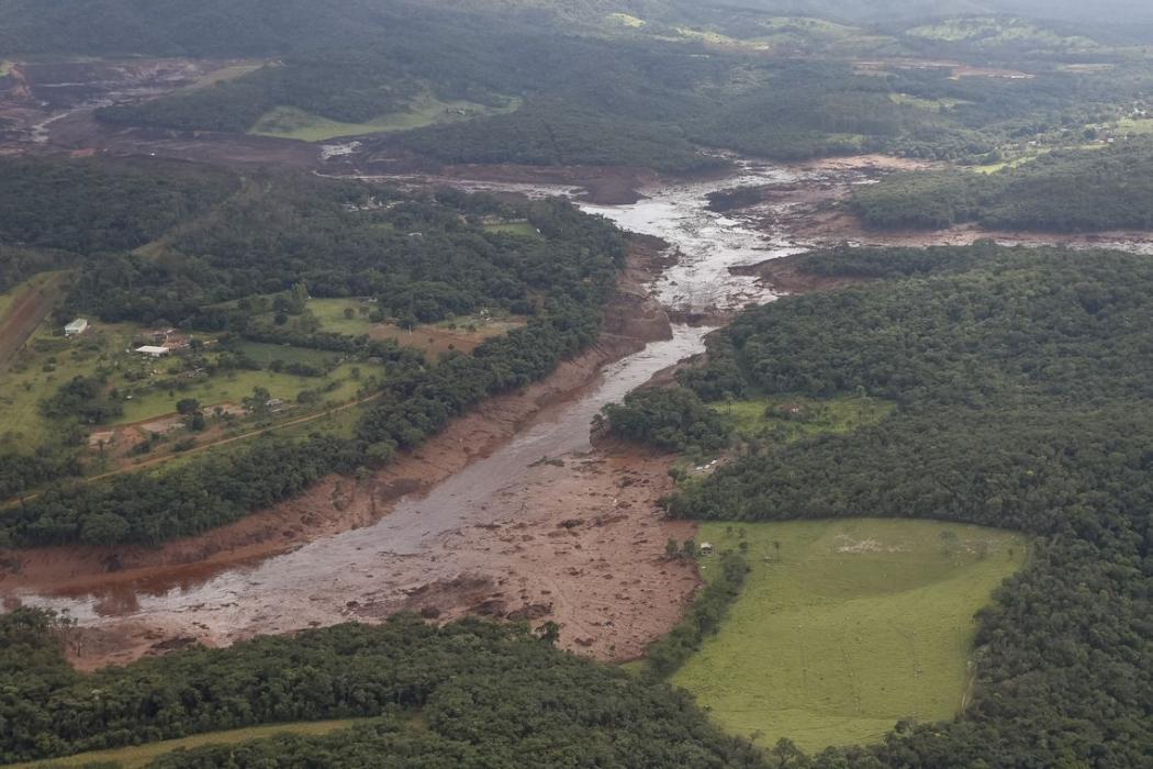 Sobrevoo da área atingida pelo rompimento da barragem em Brumadinho. Crédito: Isac Nóbrega/PR