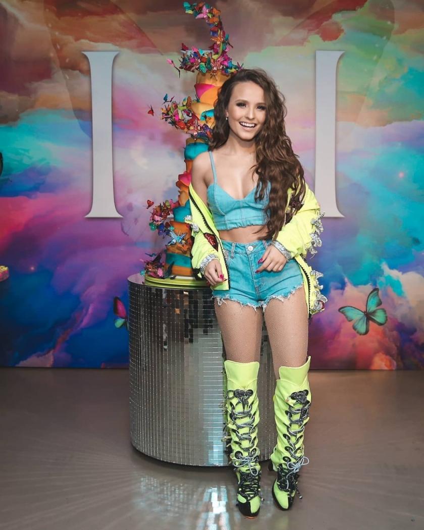 8661db630492b A atriz Larissa Manoela na festa de aniversário em comemoração aos seus 18  anos