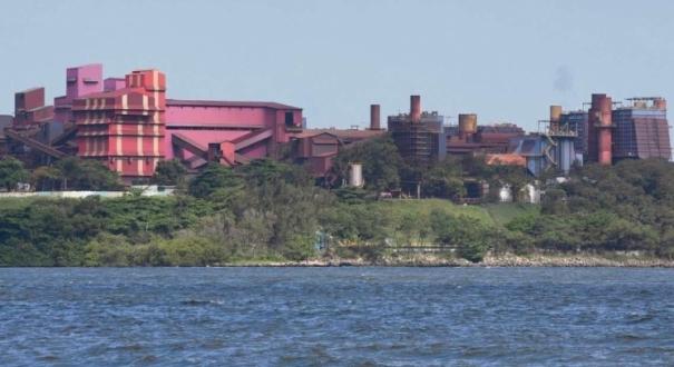 Vista panorâmica das Instalações da Vale no Complexo de Tubarão