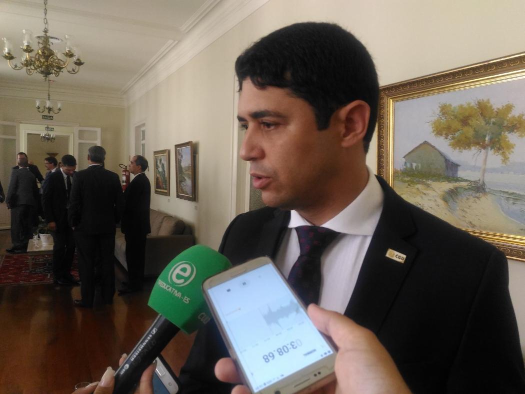 Ministro da CGU, Wagner Rosário, esteve no Palácio Anchieta. Crédito: Caíque Verli