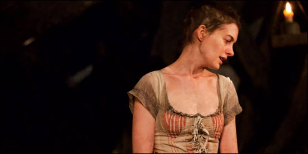 01/02/2019 - Anne Hathaway ficou doente após perder peso para papel em Os Miseráveis. Crédito: Divulgação