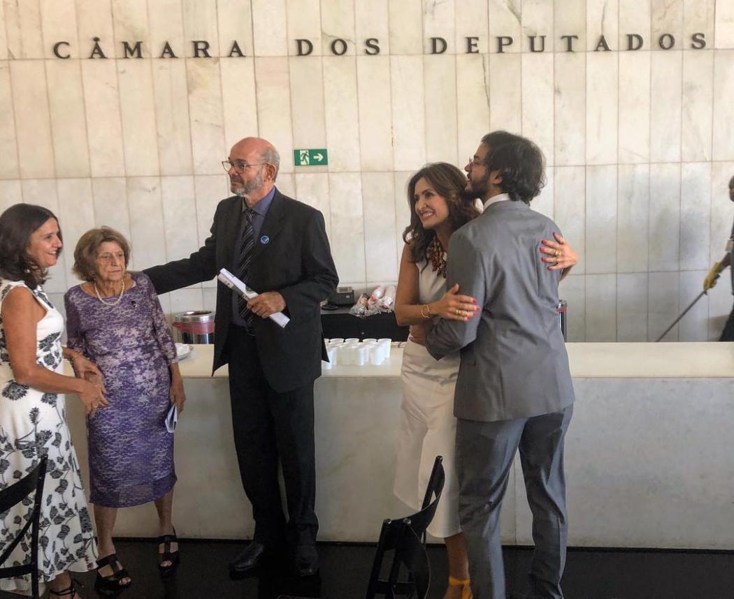 01/02/2019 - Túlio Gadêlha e Fátima Bernardes durante posse na Câmara dos Deputados. Crédito: Instagram/@tuliogadelha