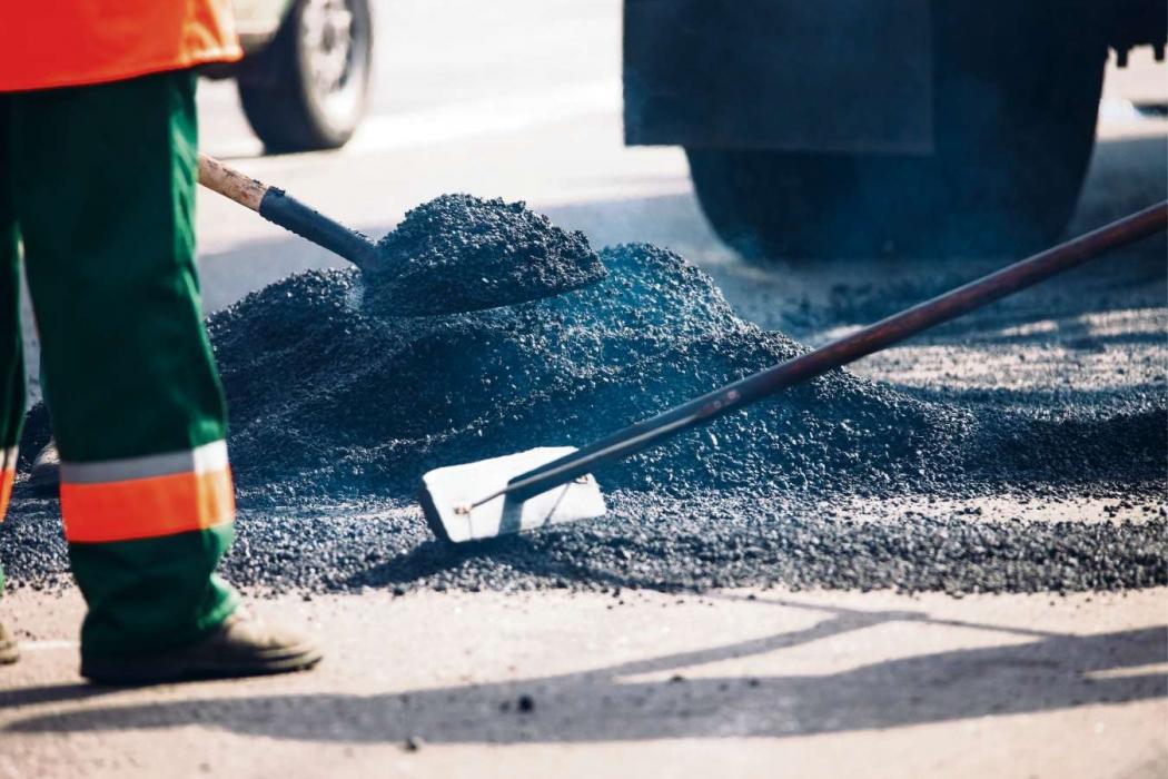 Obras de pavimentação são algumas das impactadas na Grande Vitória pela redução dos investimentos. Crédito: Shutterstock