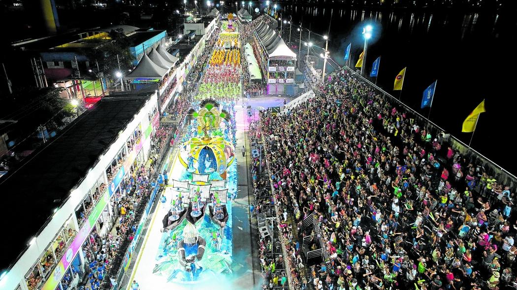 Carnaval de Vitória 2018 - Vista de cima do desfile da escola de samba Novo Império, no Sambão do Povo . Crédito:  Secundo Rezende