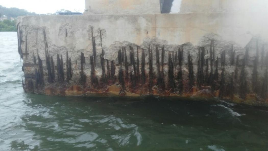 Pilar deteriorado, um dos muitos problemas encontrados na Segunda Ponte. Crédito: Gazeta Online