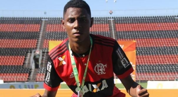 Jhonata Ventura é capixaba e joga no Flamengo