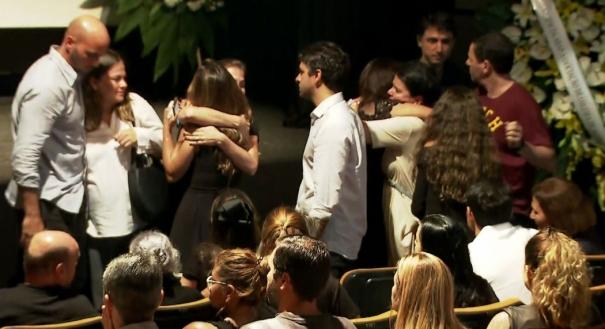 Amigos e familiares chegam para o velório de Ricardo Boechat no MIS