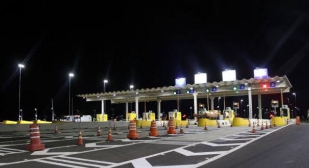 Motoristas que passam a mais de 40 km/h nas cabines de cobrança eletrônica são multados