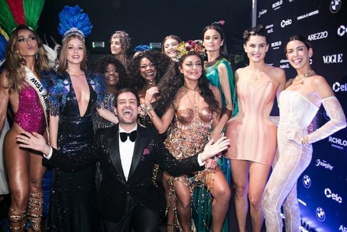 e158093f2 Depois de uma reunião no fim da última semana, a organização do Baile da  Vogue achou por bem adiar o evento para o dia 23 de março.